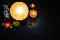 Lámparas Himalayan de la sal | Candelero y pie Detoxer fotografía de archivo