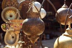 Lámparas marroquíes de las linternas del vidrio y del metal en el souq de Marrakesh Imágenes de archivo libres de regalías