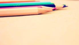 Lápices coloreados brillantes Imágenes de archivo libres de regalías