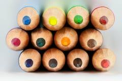 Lápices coloreados en primer macro Fotos de archivo