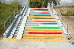 Lápices coloreados pintados en las escaleras en Poznán, Polonia Fotografía de archivo libre de regalías
