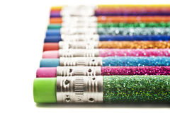 Lápices coloridos cubiertos en brillo imagenes de archivo