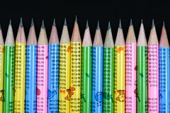 Lápices coloridos del grafito del contraste brillante imagen de archivo libre de regalías