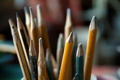 Lápices de madera viejos imagenes de archivo