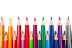 Lápices del color aislados en el fondo blanco Cierre para arriba Imagenes de archivo