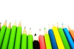 Lápices del color aislados en el fondo blanco Cierre para arriba Fotos de archivo