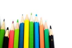 Lápices del color aislados en el fondo blanco Cierre para arriba Imagen de archivo