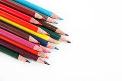 Lápices del color aislados en un blanco. Imagen de archivo