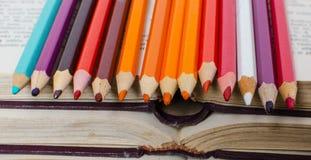 Lápices del color para pintar Fotografía de archivo libre de regalías