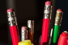 Lápices, plumas y marcadores foto de archivo libre de regalías