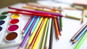 Lápices y acuarela coloreados primer metrajes