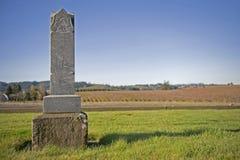 Lápida mortuoria vieja 1800's foto de archivo