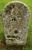Lápida mortuoria vieja Foto de archivo libre de regalías