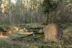 Lápida mortuoria vieja Imagen de archivo libre de regalías