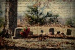 Lápidas mortuarias viejas con texturas del Grunge de la escritura Foto de archivo libre de regalías