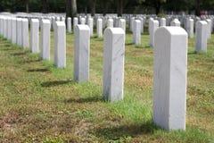 Lápidas mortuorias militares Foto de archivo libre de regalías