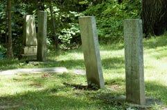 Lápidas mortuorias viejas Fotos de archivo