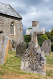 Lápide transversal de pedra no cemitério Foto de Stock Royalty Free