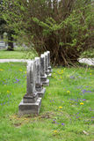 Lápides em um cemitério Fotos de Stock Royalty Free