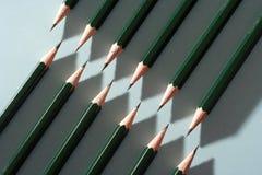 Lápis arrranged para causar um teste padrão de ziguezague fotografia de stock royalty free