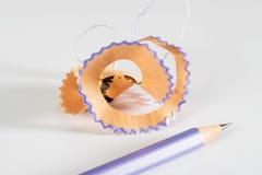 Lápis colorido com aparas Imagens de Stock