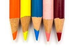 Lápis coloridos alinhados em seguido Foto de Stock Royalty Free