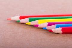 Lápis coloridos em seguido Fotos de Stock