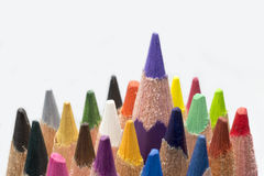 Lápis coloridos em um fundo branco fotos de stock