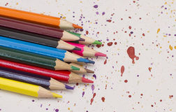 Lápis coloridos no papel Imagem de Stock