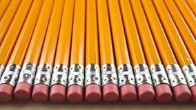 Lápis com eliminadores cor-de-rosa, tiro da zorra Conceito da censura video estoque