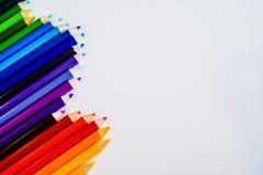 Lápis da cor isolados no fundo branco Fim acima Copie o espaço Fotografia de Stock Royalty Free