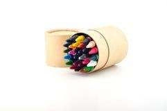 Lápis da cor na caixa de cartão Fotos de Stock Royalty Free