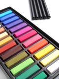 Lápis de carvão vegetal dos pastels do artista Foto de Stock