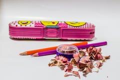 Lápis diferentes da cor com fundo branco Foto de Stock
