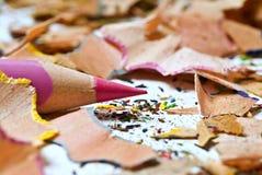 Lápis e aparas cor-de-rosa Foto de Stock