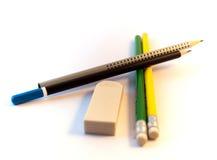 Lápis e sharpener de lápis coloridos Imagem de Stock Royalty Free