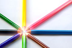 Lápis multicoloridos uma cor isolada Foto de Stock Royalty Free