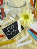 Lápis, pastéis de cera e varas coloridos do giz Foto de Stock Royalty Free