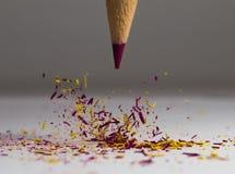 Lápis que cai em sua ponta Imagens de Stock