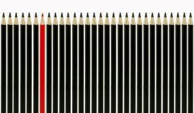 Lápis vermelho que está para fora Fotos de Stock