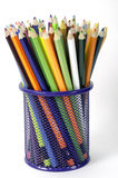 Lápiz del color en cesta Imagen de archivo libre de regalías