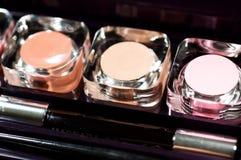 Lápiz labial colorido cosmético Fotos de archivo
