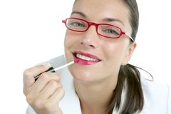 Lápiz labial hermoso del rojo del maquillaje de la empresaria Fotos de archivo
