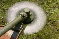 Lâmina de giro de Brushcutter Fotos de Stock Royalty Free