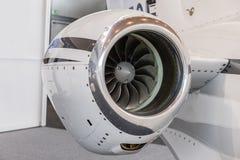 Lâminas detalhadas de um motor de jato dos aviões, fim do tturbine do insigh do motor de jato do negócio acima da vista detalhada Fotografia de Stock