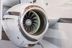 Lâminas detalhadas de um motor de jato dos aviões, fim do tturbine do insigh do motor de jato do negócio acima da vista detalhada Imagem de Stock