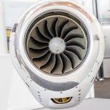 Lâminas detalhadas do tturbine do insigh de um motor de jato dos aviões, busin Imagens de Stock Royalty Free