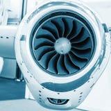 Lâminas detalhadas do tturbine do insigh de um motor de jato dos aviões, cor Imagens de Stock