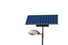 Lâmpada da cidade da potência solar isolada com trajeto de grampeamento Fotografia de Stock Royalty Free