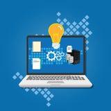 Lâmpada da ideia do conceito da gestão do conhecimento dentro do portátil Imagem de Stock